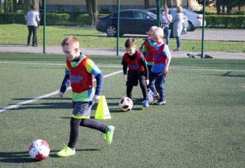 dzieci, pilka nozna, trening,  na dworze, sport, graja, play, football